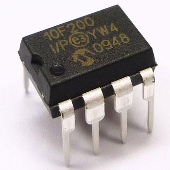 PIC10F200-I/P DIP8